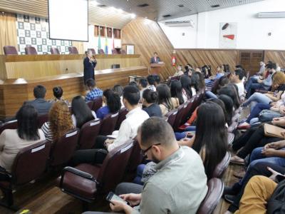 Imagem mostra auditório durante cerimônia