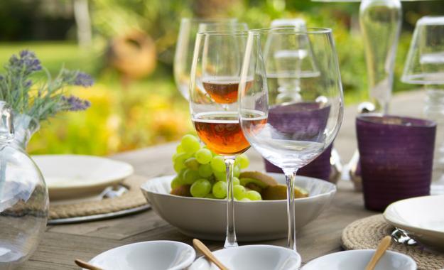Conheça os principais tipos de vinhos e aprenda a harmonizar/ Reprodução/Freepik
